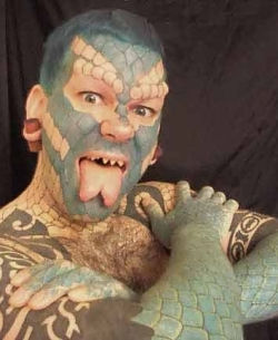 Crazy body art - The Human Lizard