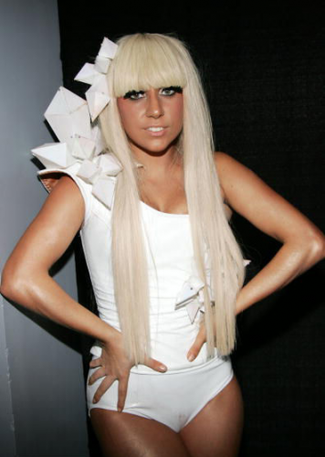 Lady GaGa hands on hips dont lie