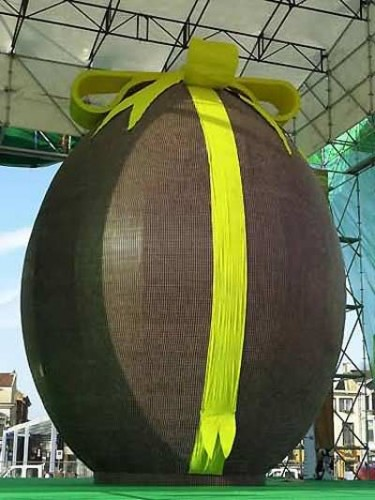 World's Largest Chocolate Easter Egg