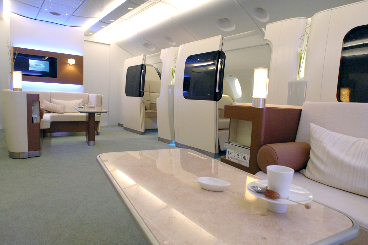 Worlds Biggest Passenger Plane - Airbus A380 lounge and suites