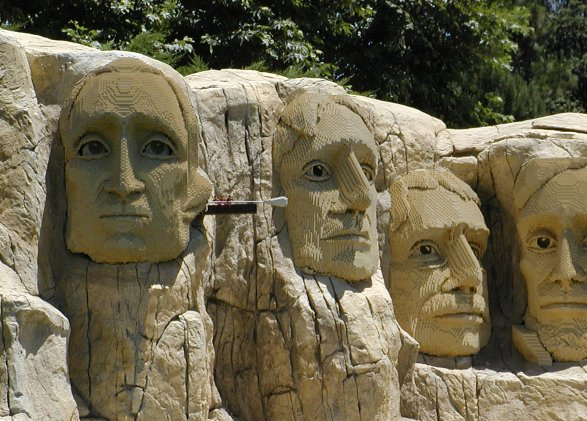 Amazing Lego Creations - Lego Mount Rushmore