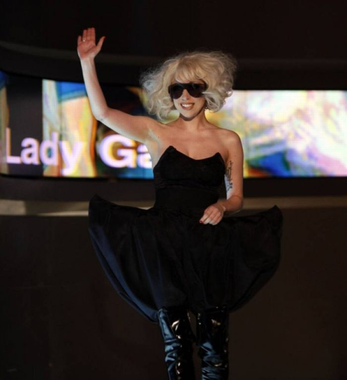 Lady Gaga Styles Looks and Presence in a Huge Collection of Pictures