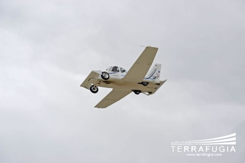 The Terrafugia Transition flying