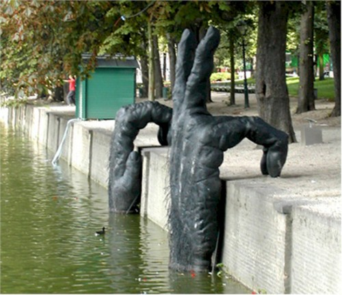 Funny Interesting Weird Random Pictures - great riverside sculpture