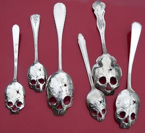 Skull skeleton flatware
