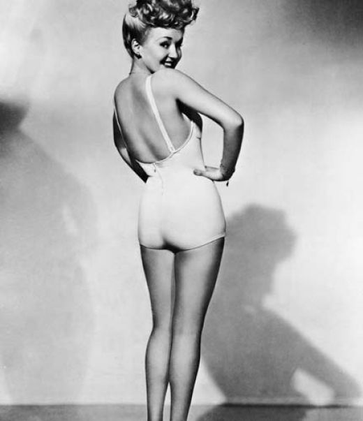 Icons of the Classic Pin-Up Girl Era-betty grable