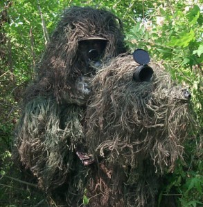 List o' 10 Extraordinary Examples of Animal Camouflage: Ghillie snipe