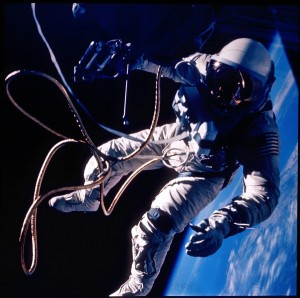 spacewalk_gemini4