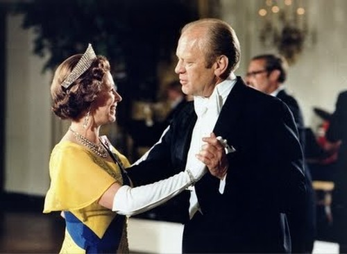 Her Majesty Queen Elizabeth II with President Gerald Ford