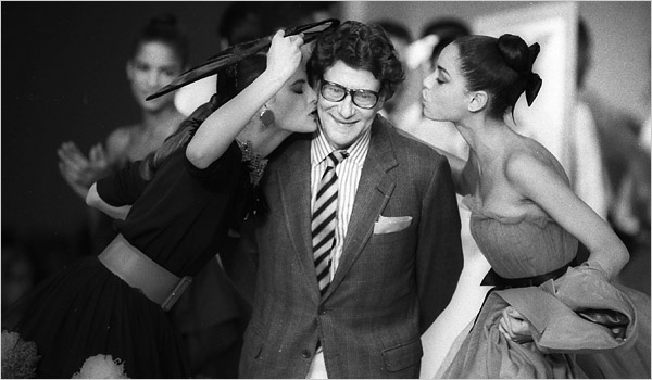 yves-saint-laurent-at-the-end-of-his-fall-show-in-paris-in-1987