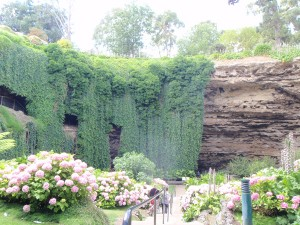 List o' 10 Biggest Sinkholes on the Planet - mount gambier sinkhole