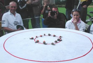 List of Bizarre Championships: Snail racing - Start of the race
