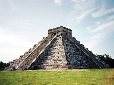Mayan pyramid at chichen-itza