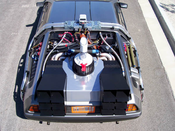 delorean_time_machine_rear--back to the future