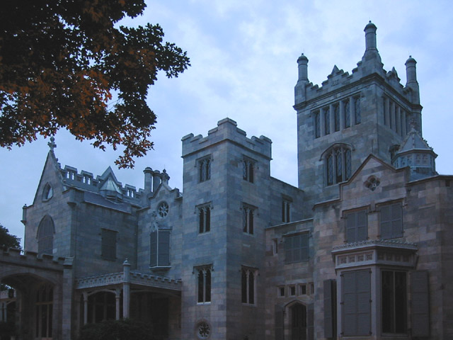 Lyndhurst-Castle---New-York-castle