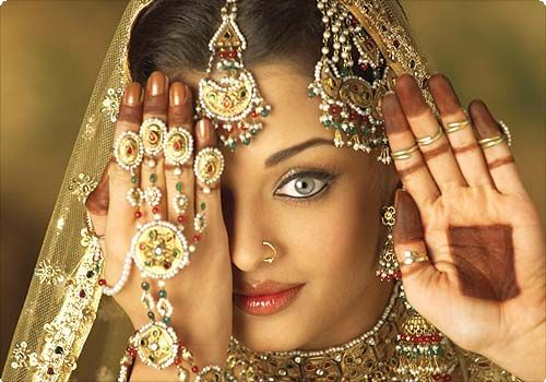 list of top ten sexiest bollywood babes - Aishwarya-Rai