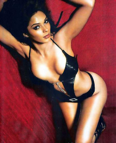 list of top ten sexiest bollywood babes - Mallika Sherawat