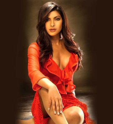 list of top ten sexy bollywood celebrity babes - Priyanka Chopra