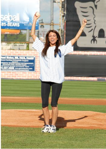 Sexiest Celebrity First Pitches In MLB Baseball History-Danielle Staub