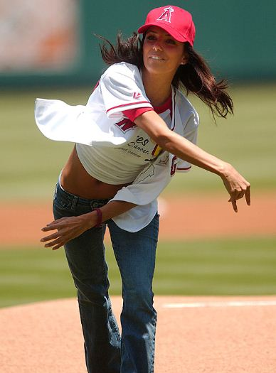 Sexiest Celebrity First Pitches In MLB Baseball History-Eva Longoria