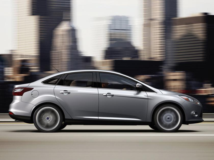 top ten list-list of top ten coolest new cars for under $18,000-2011_Ford_Focus_Sedan