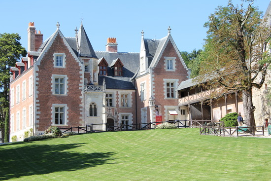 List of Ten Homes and Keepers of the Mona Lisa Before the Louvre-top ten list-clos luce France